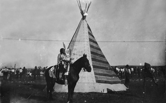 The Tipi with Battle Pictures