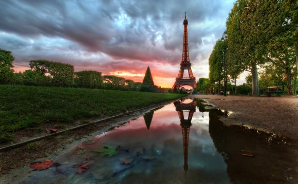 Reflections on the Eiffel